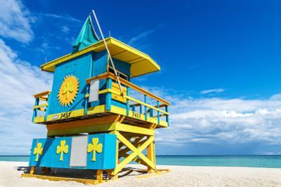 Lifeguard Stand, Miami Beach, Florida by vent du sud