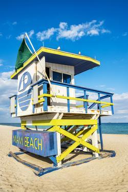 Lifeguard Tower, Miami Beach, Florida by vent du sud