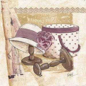 Boite et Chapeau Violet by Véronique Didier-Laurent