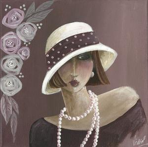 Femme Chapeau Blanc Violet by Véronique Didier-Laurent