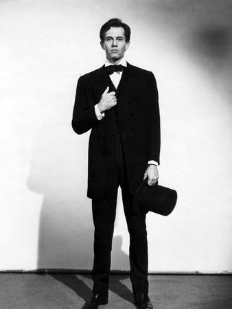 https://imgc.allpostersimages.com/img/posters/vers-sa-destinee-young-mr-lincoln-by-johnford-with-henry-fonda-1939-b-w-photo_u-L-Q1C2H3T0.jpg?artPerspective=n