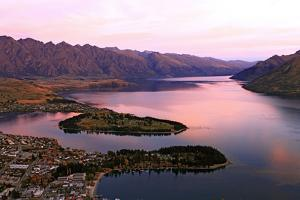 Lake Wakaitipu at Queentowns at Dusk by vichie81