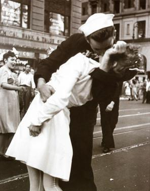 Kissing the War Goodbye (Times Square, New York City,, c.1945) by Victor Jorgensen