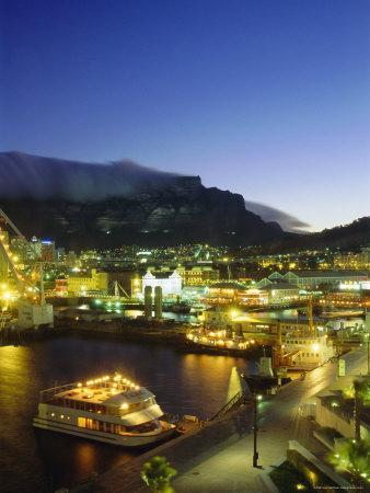 https://imgc.allpostersimages.com/img/posters/victoria-and-albert-waterfront-with-table-mountain-behind-cape-town-south-africa_u-L-P2JLAV0.jpg?p=0