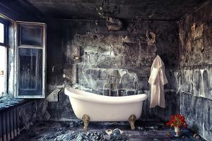 Vintage Bathtub in Grunge Interior by viczast