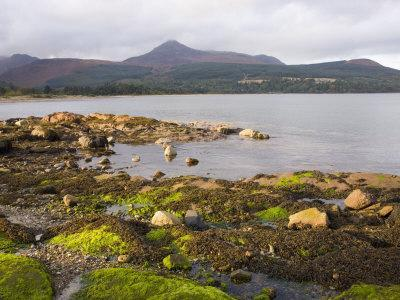 https://imgc.allpostersimages.com/img/posters/view-across-brodick-bay-to-goatfell-brodick-isle-of-arran-north-ayrshire_u-L-P91I6N0.jpg?p=0