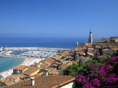 https://imgc.allpostersimages.com/img/posters/view-across-old-town-rooftops-to-harbour-menton-alpes-maritimes-provence_u-L-P1TI600.jpg?p=0