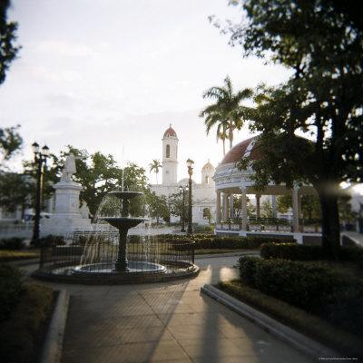 https://imgc.allpostersimages.com/img/posters/view-across-parc-central-cienfuegos-cuba-west-indies-central-america_u-L-P2QSTD0.jpg?p=0