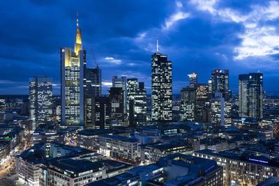 https://imgc.allpostersimages.com/img/posters/view-at-the-frankfurt-skyline-at-dusk-frankfurt-am-main-hesse-germany_u-L-Q11YIYC0.jpg?p=0