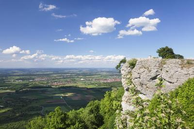 https://imgc.allpostersimages.com/img/posters/view-from-breitenstein-rock-kirchheim-teck-swabian-alb-baden-wurttemberg-germany-europe_u-L-PQ8PQZ0.jpg?p=0