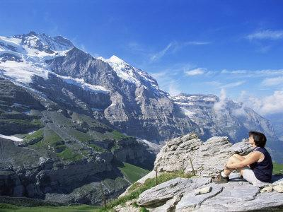 https://imgc.allpostersimages.com/img/posters/view-from-kleine-scheidegg-to-jungfrau-bernese-oberland-switzerland_u-L-P1JOZH0.jpg?artPerspective=n