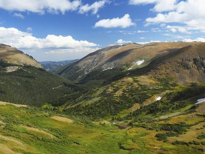 https://imgc.allpostersimages.com/img/posters/view-from-the-alpine-visitor-center-rocky-mountain-national-park-colorado-usa_u-L-PHAH840.jpg?p=0