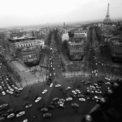 https://imgc.allpostersimages.com/img/posters/view-from-the-arc-de-triomphe-to-the-place-de-l-etoile-1960s_u-L-F7A2580.jpg?p=0