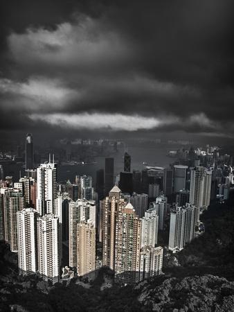 https://imgc.allpostersimages.com/img/posters/view-from-the-peak-hong-kong-china_u-L-PHAPYL0.jpg?artPerspective=n
