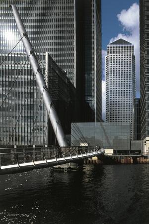 https://imgc.allpostersimages.com/img/posters/view-of-25-bank-street_u-L-PP9TF70.jpg?p=0