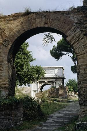 https://imgc.allpostersimages.com/img/posters/view-of-arch-of-titus_u-L-PPH9GB0.jpg?p=0