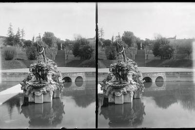 https://imgc.allpostersimages.com/img/posters/view-of-fountain-of-neptune-at-boboli-garden_u-L-PZOVF80.jpg?artPerspective=n