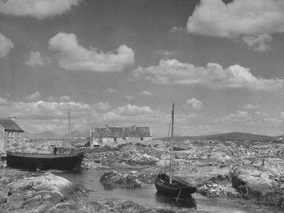 https://imgc.allpostersimages.com/img/posters/view-of-galway-in-ireland-a-little-harbor-at-carna_u-L-P6IHC40.jpg?p=0