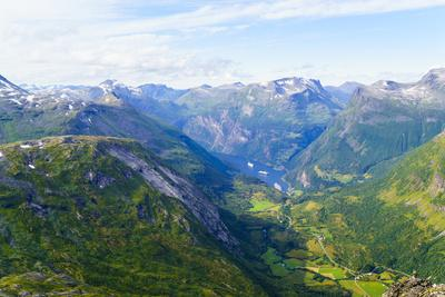 https://imgc.allpostersimages.com/img/posters/view-of-geiranger-and-geirangerfjord-from-the-summit-of-mount-dalsnibba-1497m-norway_u-L-Q12SAF60.jpg?p=0
