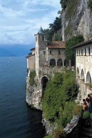 https://imgc.allpostersimages.com/img/posters/view-of-hermitage-of-santa-caterina-del-sasso_u-L-PP9SGN0.jpg?p=0
