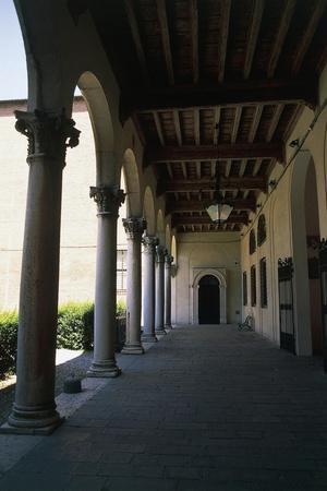 https://imgc.allpostersimages.com/img/posters/view-of-inner-courtyard-of-palazzo-dei-diamanti_u-L-PP9TX10.jpg?p=0