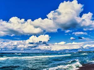 View of lakeshore against cloudy sky, Great Sand Bay, Lake Superior, Keweenaw Peninsula, Upper P...