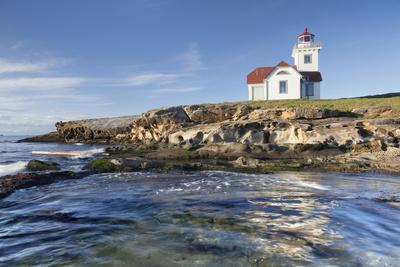 https://imgc.allpostersimages.com/img/posters/view-of-patos-island-lighthouse-san-juan-islands-washington-usa_u-L-PN72P60.jpg?p=0