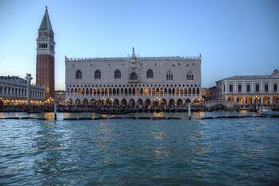 https://imgc.allpostersimages.com/img/posters/view-of-st-marks-square-and-doge-palace-from-canal-venice-italy_u-L-Q12T0SP0.jpg?p=0