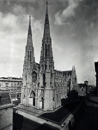 https://imgc.allpostersimages.com/img/posters/view-of-st-patrick-s-cathedral_u-L-PZOJWZ0.jpg?p=0