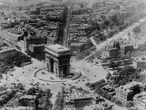 View of the Arc De Triomphe