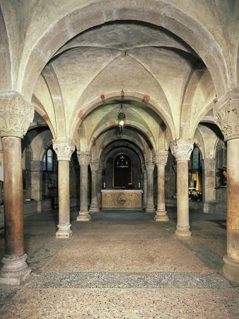 https://imgc.allpostersimages.com/img/posters/view-of-the-crypt-san-michele-maggiore-basilica-pavia-italy-11th-15th-centuries_u-L-POPR5M0.jpg?p=0