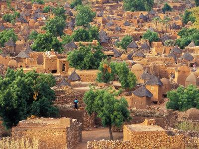 https://imgc.allpostersimages.com/img/posters/view-of-the-dogon-village-of-songo-mali_u-L-P5861G0.jpg?p=0
