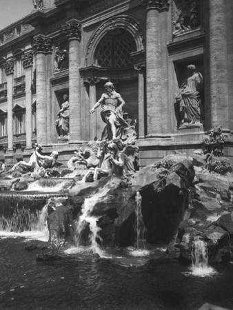 View of the Fountain of the Trevi