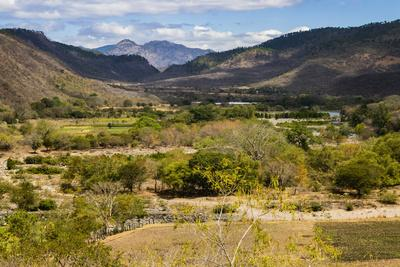 https://imgc.allpostersimages.com/img/posters/view-of-the-guayabo-valley-where-the-coco-river-opens-out-below-the-famous-somoto-canyon_u-L-PWFHBH0.jpg?p=0