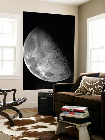 https://imgc.allpostersimages.com/img/posters/view-of-the-moon-s-north-pole_u-L-PFHCOQ0.jpg?artPerspective=n
