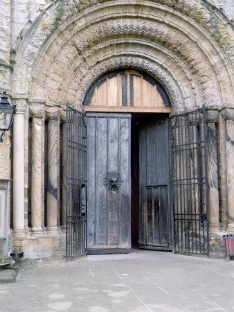 https://imgc.allpostersimages.com/img/posters/view-of-the-north-door-of-durham-cathedral_u-L-P56UYV0.jpg?p=0