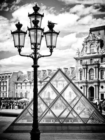 https://imgc.allpostersimages.com/img/posters/view-of-the-pyramid-and-the-louvre-museum-building-paris-france-europe_u-L-PZ1L000.jpg?p=0