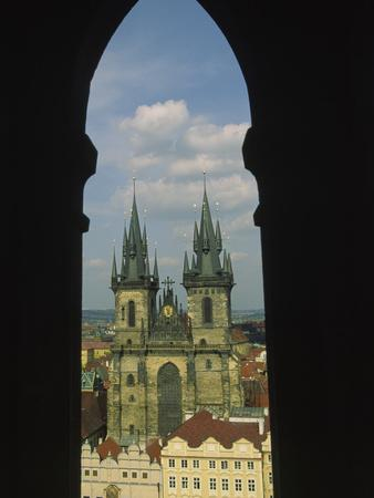 https://imgc.allpostersimages.com/img/posters/view-of-tyn-church-in-old-town-square-prague-czech-republic_u-L-P2471I0.jpg?p=0