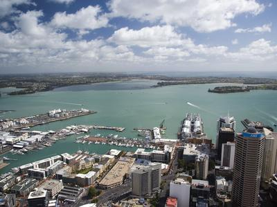 https://imgc.allpostersimages.com/img/posters/view-of-waitemata-harbor-from-skytower-auckland-north-island-new-zealand_u-L-P244NG0.jpg?artPerspective=n