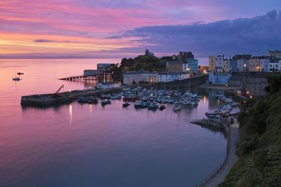 https://imgc.allpostersimages.com/img/posters/view-over-harbour-and-castle-at-dawn-tenby-carmarthen-bay-pembrokeshire-wales-uk_u-L-PWFG870.jpg?p=0