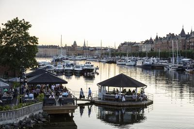 https://imgc.allpostersimages.com/img/posters/view-over-the-buildings-and-boats-along-strandvagen-street-stockholm-sweden-scandinavia-europe_u-L-PWFSW40.jpg?p=0