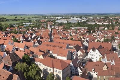 https://imgc.allpostersimages.com/img/posters/view-over-the-old-town-of-noerdlingen-romantische-strasse-schwaben-bavaria-germany-europe_u-L-PNGFUG0.jpg?p=0