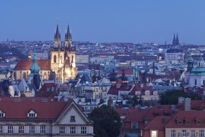 https://imgc.allpostersimages.com/img/posters/view-over-the-old-town-with-tyn-cathedral-church-of-our-lady-before-tyn_u-L-PQ8OWZ0.jpg?p=0