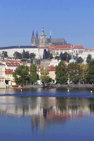 https://imgc.allpostersimages.com/img/posters/view-over-the-river-vltava-to-the-castle-district-with-st-vitus-cathedral-and-royal-palace_u-L-PQ8RPN0.jpg?p=0