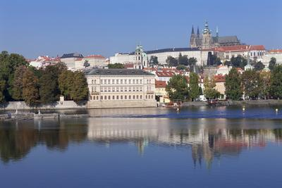 https://imgc.allpostersimages.com/img/posters/view-over-the-river-vltava-to-the-castle-district-with-st-vitus-cathedral-and-royal-palace_u-L-PQ8SDB0.jpg?p=0
