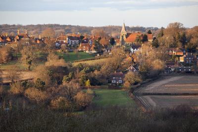 https://imgc.allpostersimages.com/img/posters/view-over-village-burwash-east-sussex-england-united-kingdom-europe_u-L-PWFCVE0.jpg?p=0