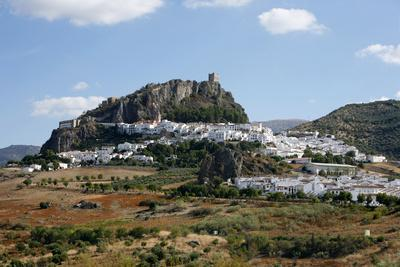 https://imgc.allpostersimages.com/img/posters/view-over-zahara-village-at-parque-natural-sierra-de-grazalema-andalucia-spain-europe_u-L-PWFRJC0.jpg?p=0