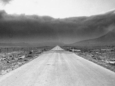 https://imgc.allpostersimages.com/img/posters/view-showing-a-dust-storm-in-west-texas_u-L-P3OGZX0.jpg?p=0