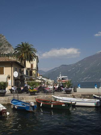 https://imgc.allpostersimages.com/img/posters/view-to-the-north-from-the-old-harbour-side-limone-lake-garda-italian-lakes-lombardy-italy_u-L-P7MNAO0.jpg?p=0