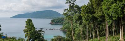 https://imgc.allpostersimages.com/img/posters/viewpoint-in-pulua-weh-sumatra-indonesia-southeast-asia_u-L-Q12SD7R0.jpg?p=0